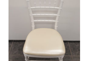 Resin White Chiavari Chairs