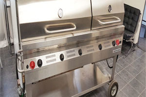 2′ x 6′ Propane Barbecue ( Requires 2 tanks )